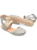 [Born� Women's Breck Strapped Closed Toe Flat]